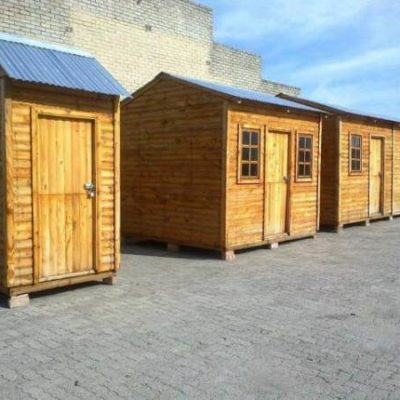 Different-size-Wendy-Houses-600x450